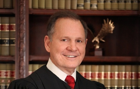Video: Alabama Judge Roy Moore stymies CNN's Cuomo on gay marriage question
