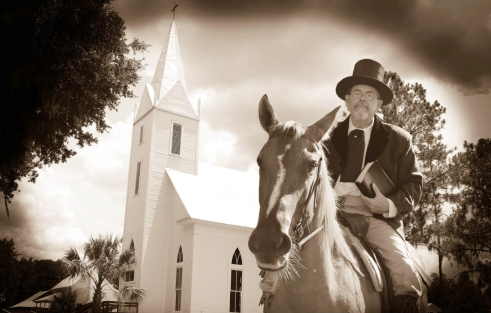 Pastor delivers historical preacher's sermons in costume: 'America needs revival'