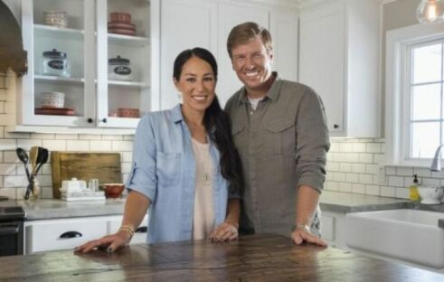 Fixer Upper stars Chip and Joanna Gaines under fire for attending evangelical church